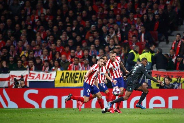 Fútbol.- La UEFA decide este miércoles el futuro de la Liga de Campeones y la Li