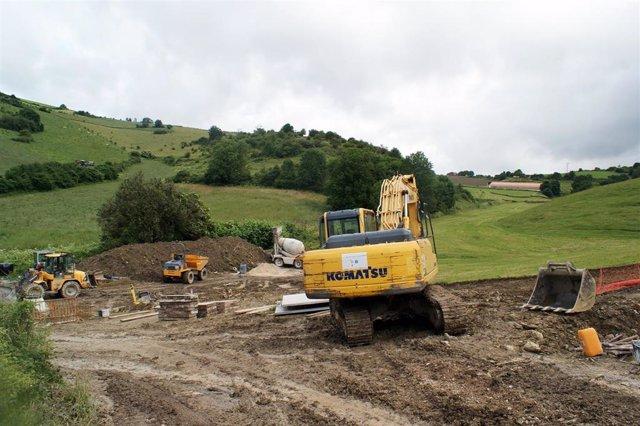 Construcción de la nueva depuradora de Hiriberri -Villanueva de Aezkoa junto al actual tanque de depuración.