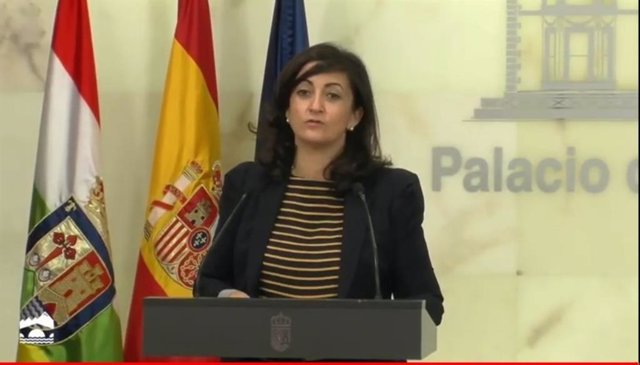 La presidenta del Gobierno riojano, Concha Andreu, en comparecencia de prensa