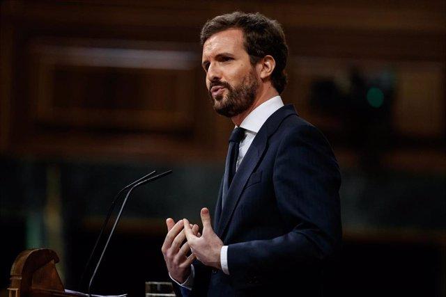 El presidente del PP, Pablo Casado, en el estrado durante su réplica en la sesión en la que se ejerce el control al Gobierno y se trata la sexta prórroga del estado de alarma por la crisis del Covid-19. En Madrid, (España), a 3 de junio de 2020.