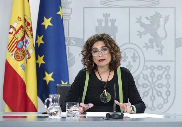 La ministra portavoz y de Hacienda, María Jesús Montero, comparece en rueda de prensa posterior al Consejo de Ministros celebrado en Moncloa, en Madrid (España), a 16 de junio de 2020.
