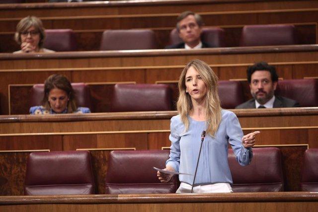 La portavoz del Grupo Popular en el Congreso, Cayetana Álvarez de Toledo, interviene durante la sesión plenaria de control al Gobierno en el Congreso. En Madrid, (España), a 10 de junio de 2020.