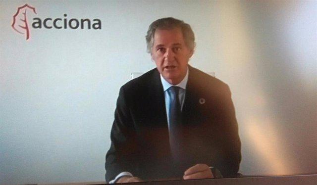 El presidente de Acciona, José Manuel Entrecanales ,durante su intervención en la Cumbre empresarial de la CEOE