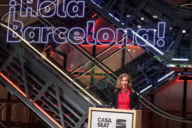 La consellera de Empresa y Conocimiento de la Generalitat, Àngels Chacón, en la inauguración de Casa Seat en Barcelona, el 16 de junio de 2020.