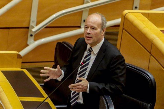 El Ministro de Justicia, Juan Carlos Campo, durante su intervención en una sesión de control al Gobierno en el Senado en la que se tratan las cuestiones relacionadas con el anuncio del cierre de Nissan, la implantación del ingreso mínimo vital y las medid