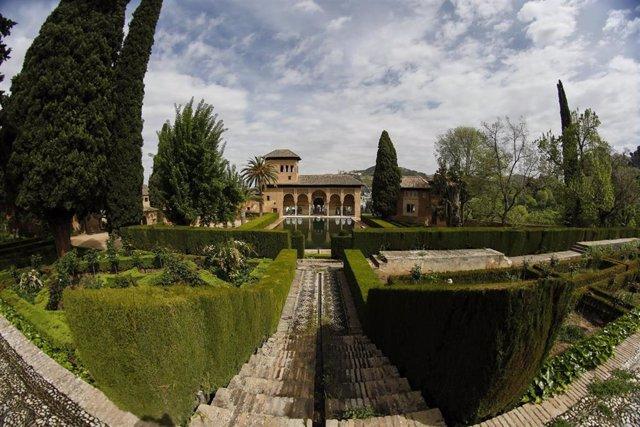 La Alhambra de Granada sin turistas por la crisis del coronaviru. Granada a 18 de abril del 2020