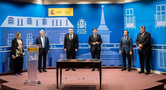 Acto para la firma del acuerdo entre CREA SGR y Bankia