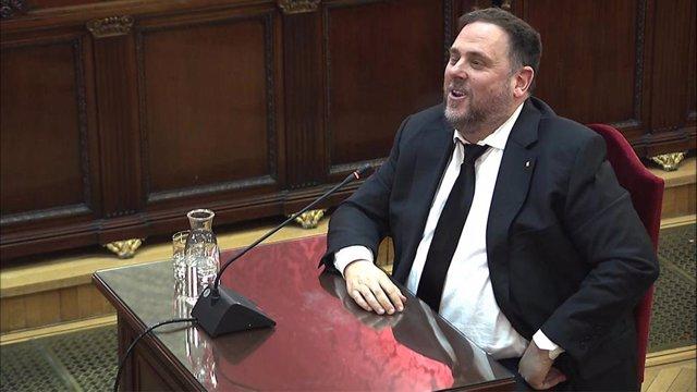 El exvicepresidente de la Generalitat de Catalunya Oriol Junqueras, durante su declaración en la tercera jornada del jucio por el 1-O.
