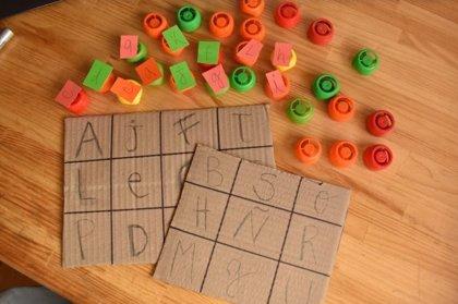 Bingo de letras: manualidades educativas para niños