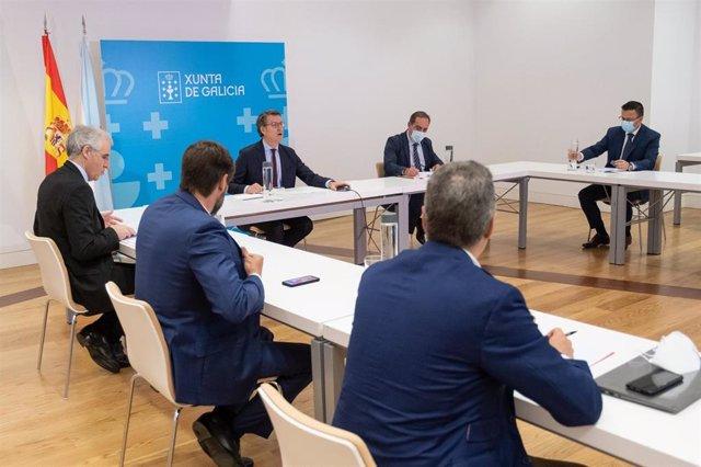 El presidente de la Xunta se reúne con el comité de expertos económicos