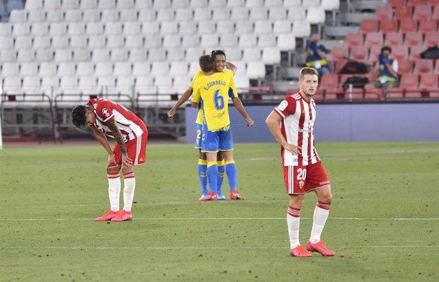Fútbol/Segunda.- (Crónica) El Almería choca con la reacción de Las Palmas