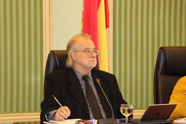 El director general de IB3, Andreu Manresa, en la Comisión de Control a la Radiotelevisión de Baleares en el Parlament.