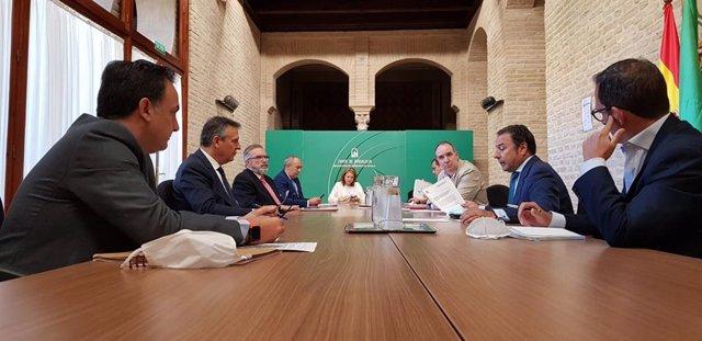 Sevilla.-Reunión de Junta, Endesa y Comisionado del Polígono Sur para atajar fra
