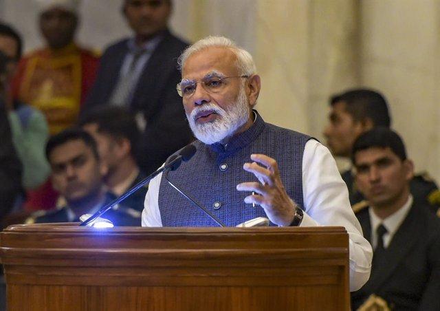 India.- Fitch acerca al 'bono basura' a la India tras rebajar a negativa la pers