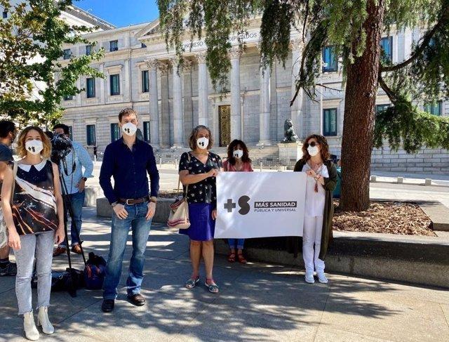 Presentación de la campaña '#DespuésDeAplaudir' frente al Congreso de los Diputados. En Madrid, a 18 de junio de 2020.