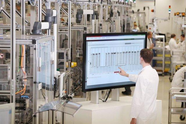 Imagen de una fábrica 4.0.
