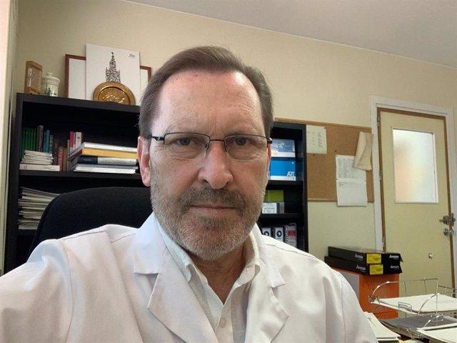 Álvaro Pascual, jefe de la Unidad de Microbiología del Hospital Macarena