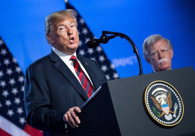 """EEUU.- Bolton sostiene que Trump no es """"apto"""" para ser de presidente de Estados"""