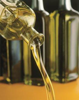 El aceite de oliva figura entre los productos andaluces cuyas exportaciones crecen en abril.
