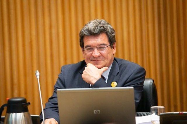 El ministro de Inclusión, Seguridad Social y Migraciones, José Luis Escrivá, en el Congreso.