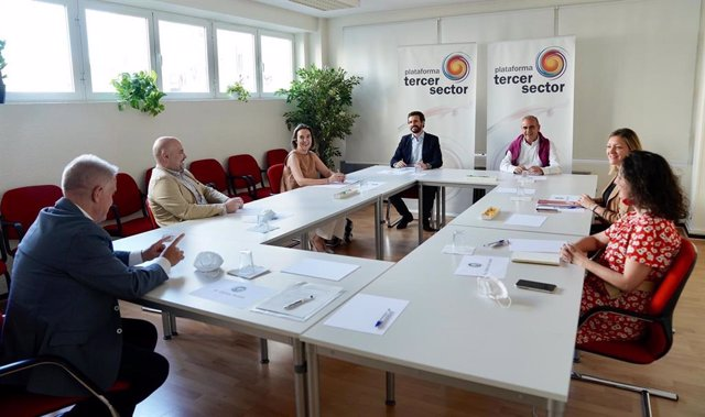 El líder del PP, Pablo Casado, se reúne con la plataforma Tecer Sector. En Madrid, a 18 de junio de 2020.