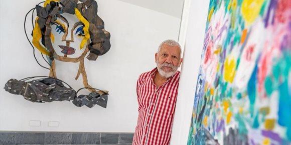 4. Willy Ramos llena de color y de vida las salas de exposiciones del Ayuntamiento de Cartagena con 'Río de flores'