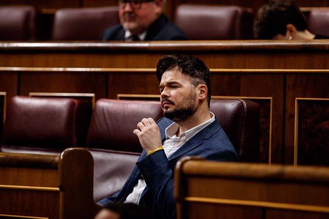 Rufián busca implicar a Sánchez en la polémica por la investigación parlamentari