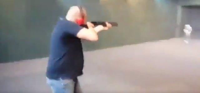 La Policía identifica en Málaga a un exmilitar como autor de los disparos a las fotos de miembros del Gobierno