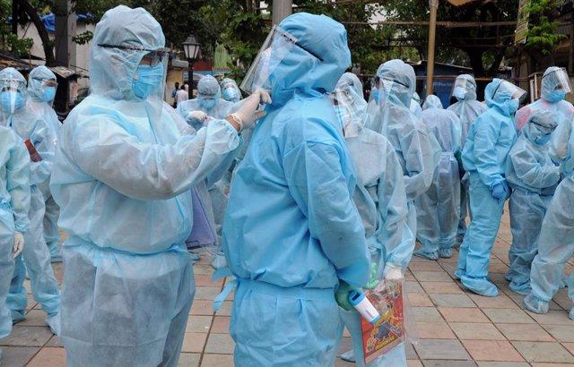 Coronavirus.- India registra su mayor tasa de contagios en un día con más de 13.