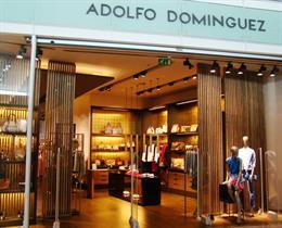 Tienda de Adolfo Domínguez en la T1 de El Prat
