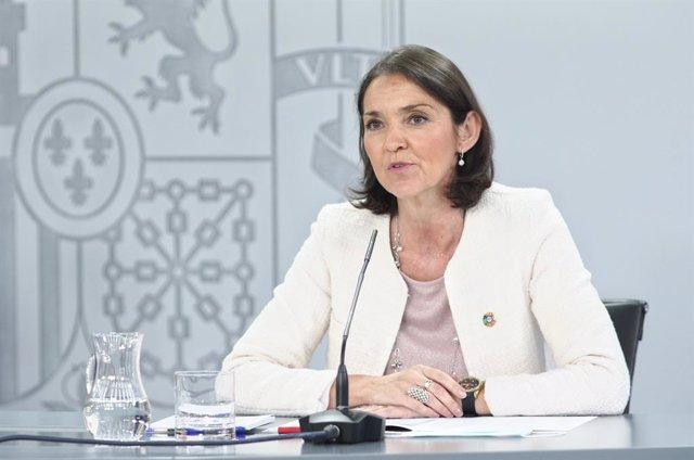 La ministra d'Indústria, Comerç i Turisme, Reyes Maroto; compareix en roda de premsa després del Consell de Ministres a La Moncloa, Madrid (Espanya), 16 de juny del 2020.