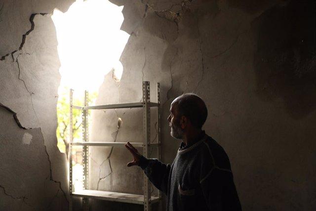 Siria.- La pandemia lleva a las familias sirias a abandonar los campamentos del