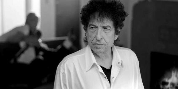 4. Escucha el nuevo álbum de Bob Dylan: 'Rough and Rowdy Ways'