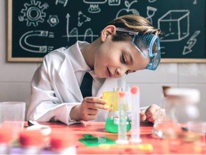 12 juegos y actividades para estimular su inteligencia científica