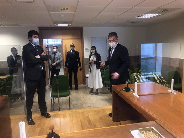 La consejera de Justicia y el presidente del TSJC visitan las Salesas