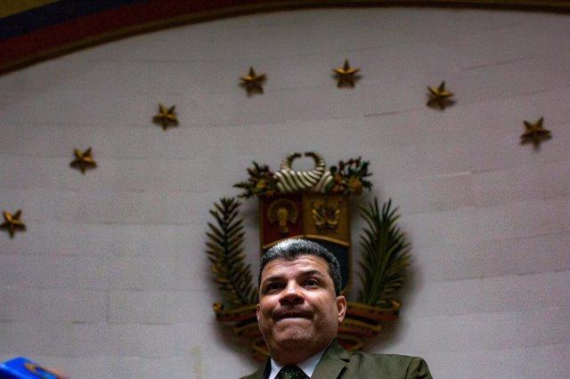 """Venezuela.- EEUU amenaza con sancionar a quienes """"usurpen"""" la cúpula de los part"""