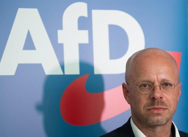 Alemania.- Un tribunal mantiene la permanencia de un diputado de AfD tras su exp