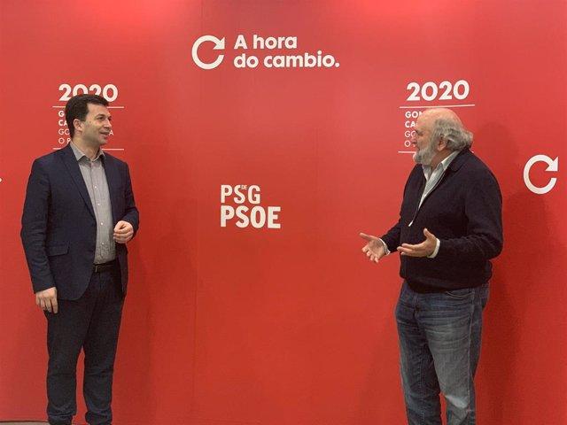 El candidato socialista a la Presidencia de la Xunta, Gonzalo Caballero, con uno de los miembros del equipo de expertos sanitarios del PSdeG