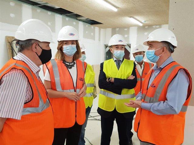 La delegada del Gobierno en Aragón visita las obras del Colegio de Educación Especial de ATADES.