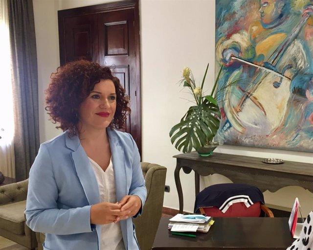 La vicepresidenta de Territorio Inteligente de la Diputación de Huelva, María Eugenia Limón,