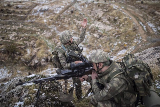 Irak.- Turquía confirma 700 objetivos destruidos del PKK desde el inicio de la ú