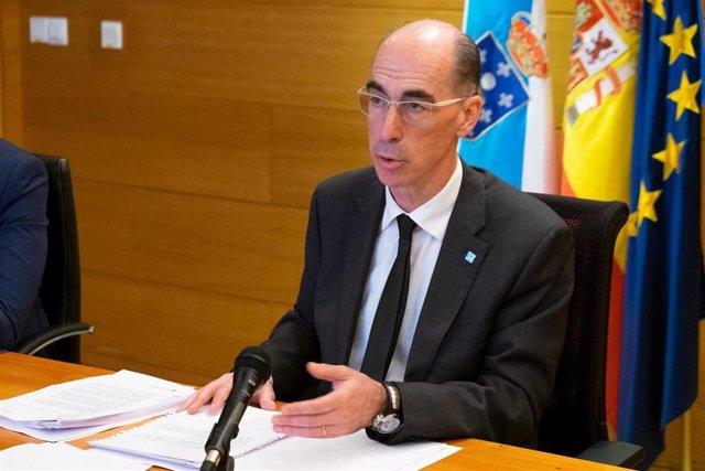 El conselleiro de Sanidade, Jesús Vázquez Almuiña.