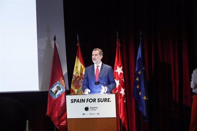El Rey de España, Felipe VI, durante su discurso en la presentación de la campaña 'Spain for Sure', organizada por España Global, el Foro de Marcas Renombradas, la Cámara de Comercio y la CEOE, en el Museo del Prado, Madrid (España).