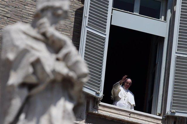 El Papa introduce tres nuevas letanías en el Rosario