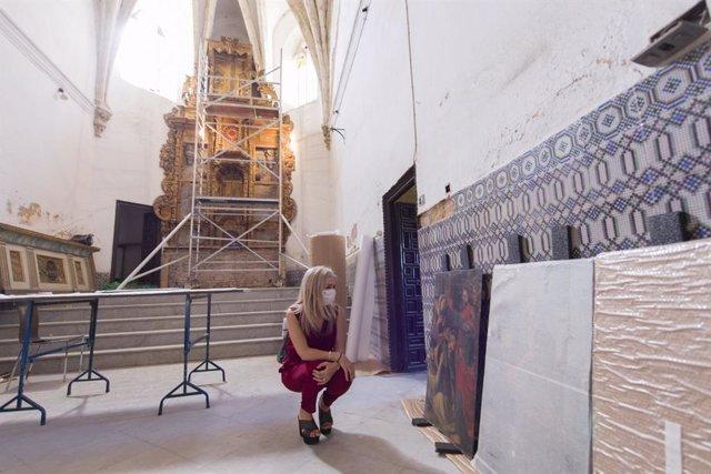 La consejera de Cultura y Patrimonio Histórico, Patricia del Pozo, en la iglesia del Hospital de San Lázaro de Sevilla