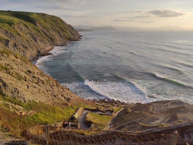 Un estudio determina 12 líneas de costa del pasado bajo el mar del litoral vasco