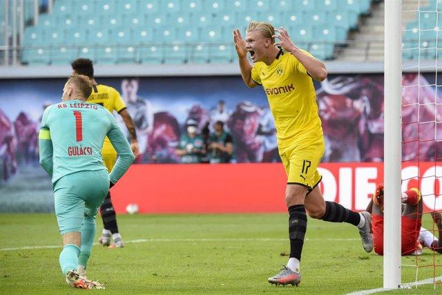 Erling Haaland celebra uno de sus goles en el Borussia Dortmund-Leipzig