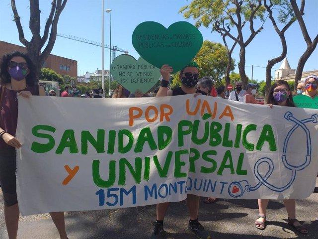 Concentración en defensa de la sanidad pública en Sevilla