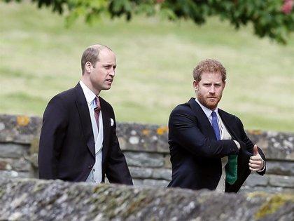 El Príncipe Guillermo cumple 38 años en su mejor momento con su hermano Harry