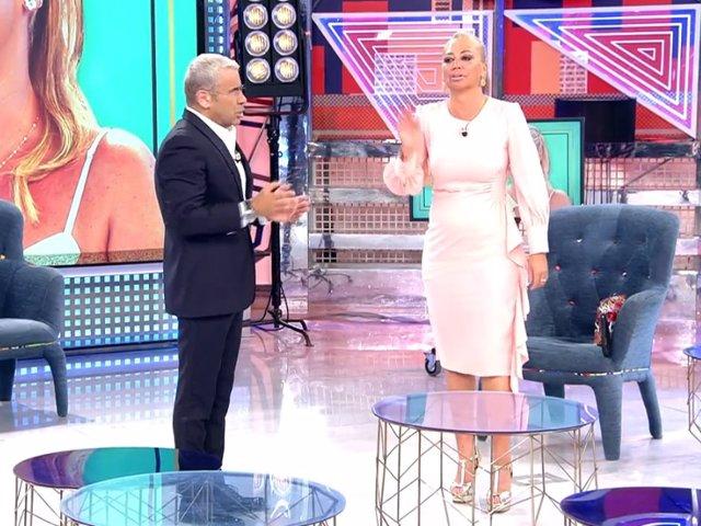 Jorge Javier Vázquez y Belén Esteban en el plató de 'Sábado Deluxe'